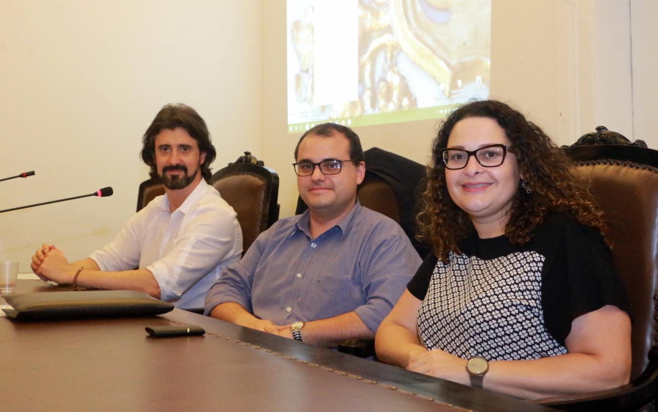 Professores Rodrigo, Daniel e Raquel